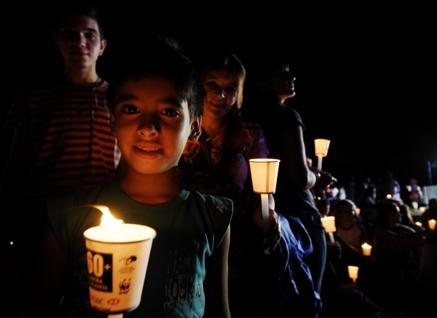 argentina_buenos_aires_kids_with_candles__1_